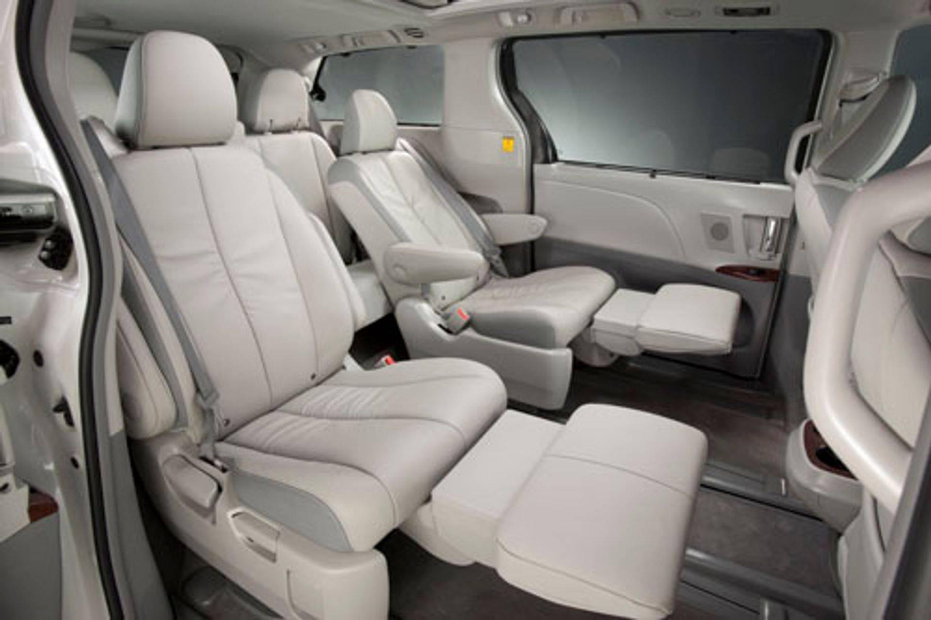 Toyota Sienna Leg Rest