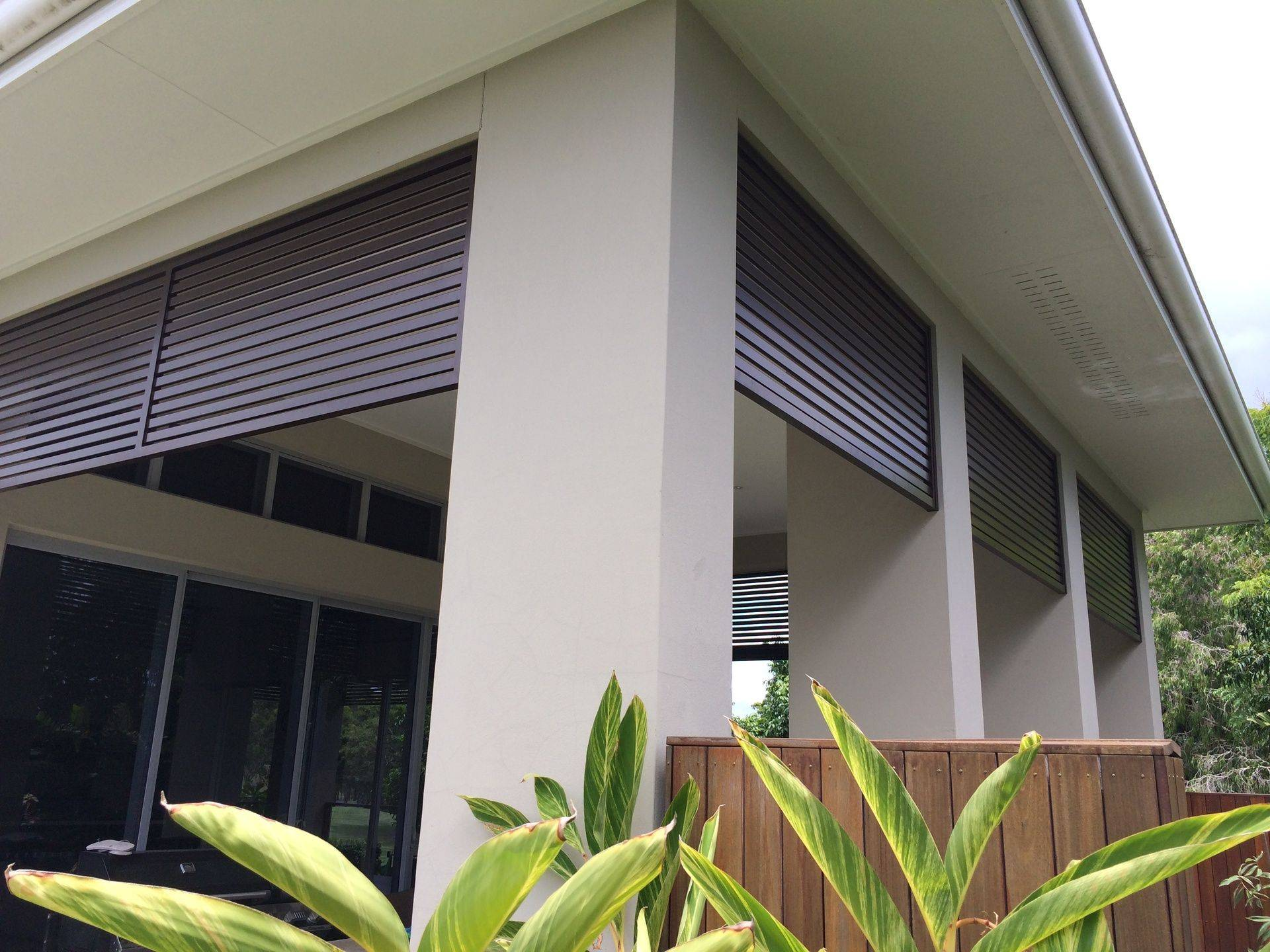 Horizontal Screens, Gold Coast