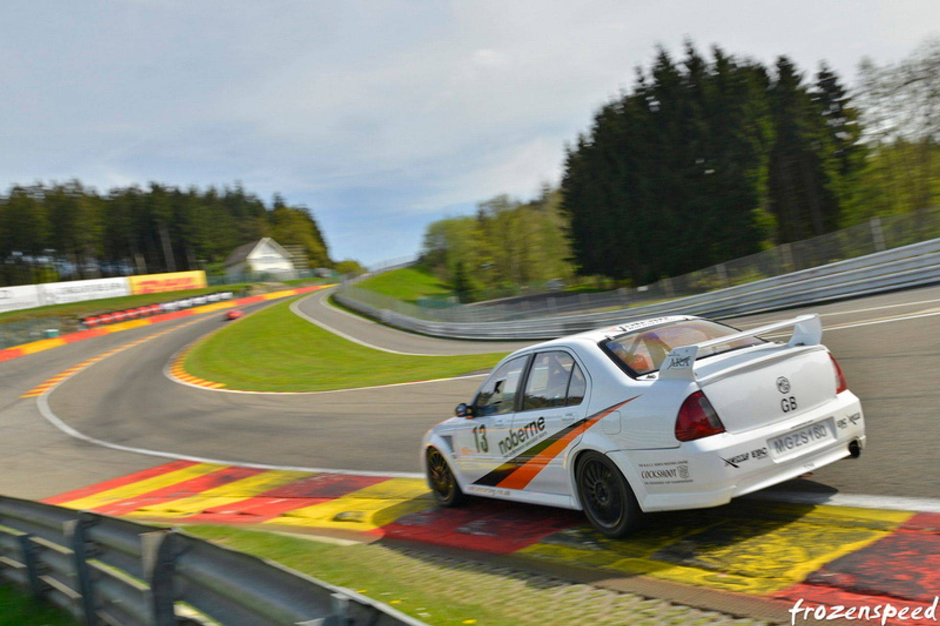 Vulcan racing spa circuit peter burchill