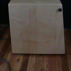 The Three Headed Snare Cajon with Pickups