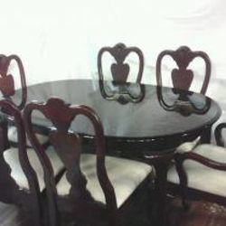 SUPER NICE Cherry Wood Dining Room Table with Middle Leaf & 6 Chairs only $250