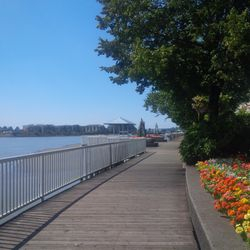 New Westminster Quay and river walk just a 5 minute walk away