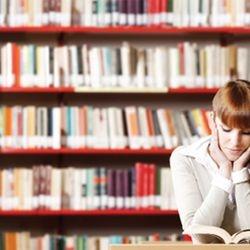 Cultivez l'esprit scolaire  Nous offrons des cours professionnels en ligne pour correspondre à votre horaire.