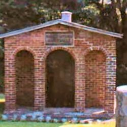 historic Licking Cemetery Mausoleum