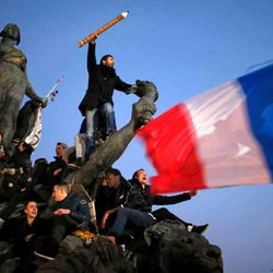 France unites its human voice and writers pens against the Fear