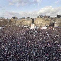 Paris, anti-terror march for Charlie, huge crowd