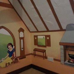 mural decor girl princess snow white