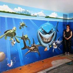 mural underwater nemo