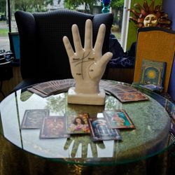 Tarot, Palm, Numerology, Soul and Astrology readings