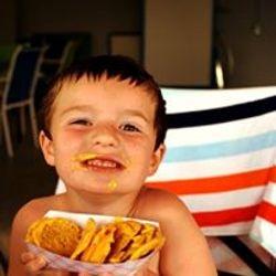 Enjoying some yummy nachos from the Snack Bar!!