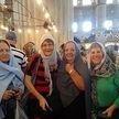 alt= Travel group, Blue Mosque, Istanbul, Turkey