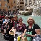 alt-= Travel group Trevi Fountain, Rome, Italy
