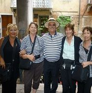 "<img src=""australian womens travel.jpg alt=womens tour group with gondalier venice italy"">"