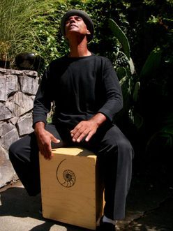 Mingo Lewis Playing the Mingo Signature Snare Cajon