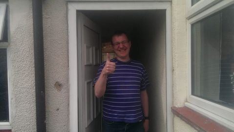You would be smilling this much too if you saved over £300 by using Taylors Locksmiths, thimbs up and smiles dont lie!